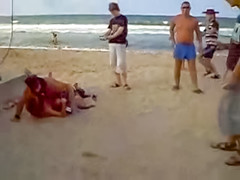 Dirty couple has public fuck on sandy beach